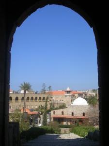Libanon 2006, Byblos, (ve vstupní bráně archeol. areálu)